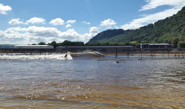 Waves breaking at Surf Snowdonia